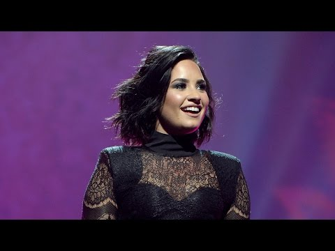 """Demi Lovato Premieres """"Body Say"""" During First Night Of Tour & Performs With T.I."""