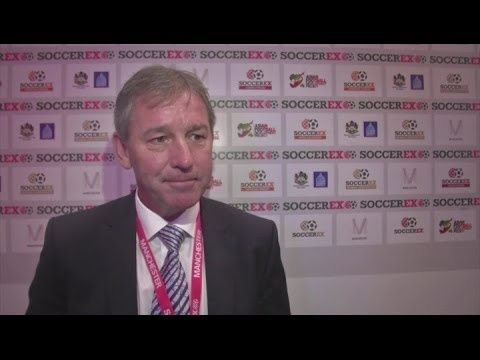 Bryan Robson backs Man Utd move for Van Gaal [AMBIENT]