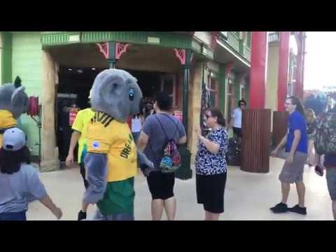 Dreamworld Mascots in Commonwealth games gear - April 2018