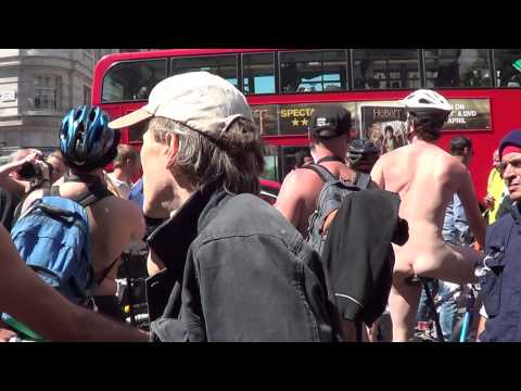 World Naked Bike Ride London 08-06-2013 -02