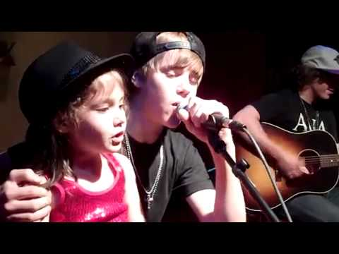 Justin Bieber sings Baby with a fan Music Videos