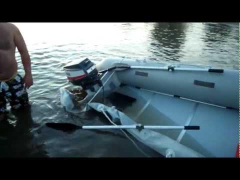 лодка пвх прыгает