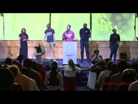 Delirious? Majesty (Here I Am) | Crowd leads worship w/ Seth Pinnock