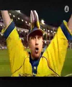 In med bollen - Markoolio, fotbolls-EM 2004 - Sveriges låt