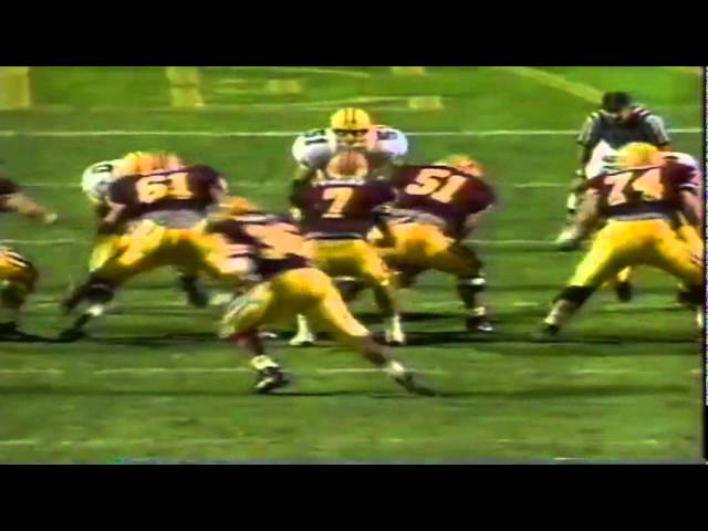 Oregon safety Eric Castle breaks up a pass vs. ASU 11-09-1991