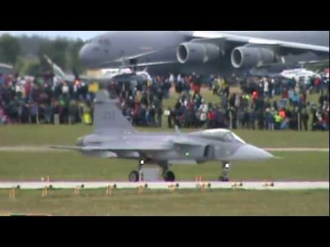 AirShow June 2012 Clip 11 (4x Griffin JAS39, NH90 Helicopter)