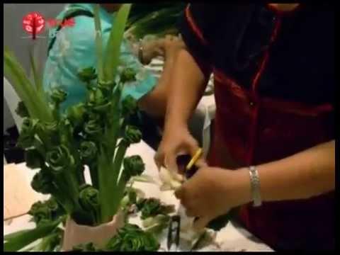 การประดิษฐ์ดอกไม้จากใบเตย