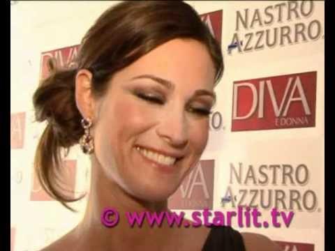 Manuela Arcuri : Più Donna E Meno Diva video