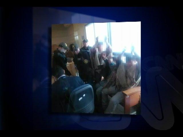 La polémica por formalización de menores mapuches que fueron esposados en tribunal