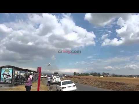 Iron Maiden en Costa Rica 2016 - Aterrizaje del avión Ed Force One