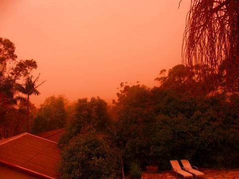 Amazing Red Dust Storm - Australia 23rd September 2009