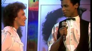 Download June Lodge & Prince Mohammed - Someone loves you honey 1982 3Gp Mp4