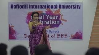 Bangladeshi University girl singing Salman Shah movie song..Hidden talent..
