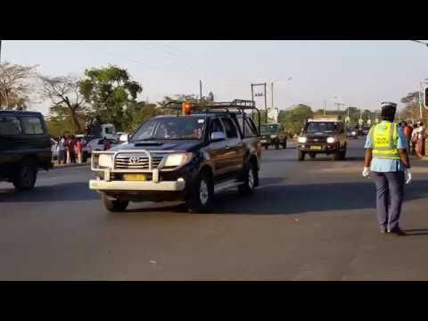 President Mutharika long convoy from the Airport.