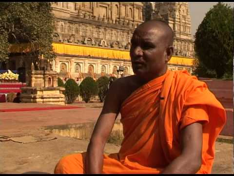 Fake Monks in India - YouTube