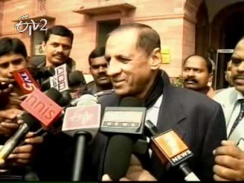 Governor Narasimhan meets Chidambaram in Delhi