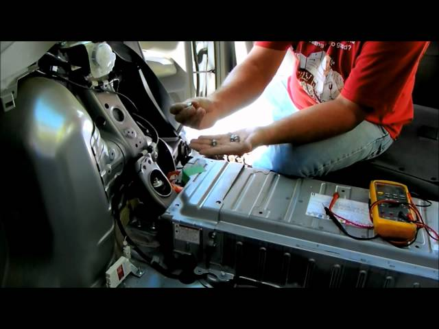 Toyota Prius battery removal and repair. replace hybrid ...