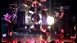 Watch 4 Non Blondes Old Mr Heffer video