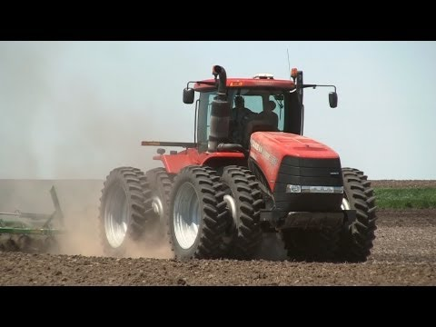 Johnson Family Farming, Case 350 HD and John Deere 8100 Tractors on 5-13-2013