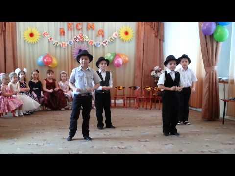 Танец на новый год в школе с мальчиками