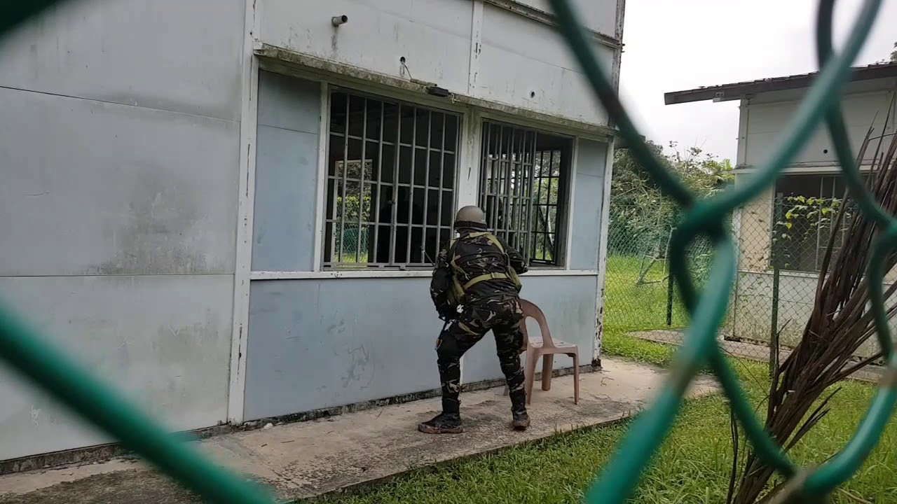 Philippine soldiers storming and capturing buildings at Murai Urban Training Facility