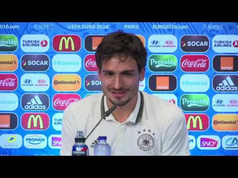 Mats Hummels Asked if German Defence is Terrified of Will Grigg Because He's on Fire