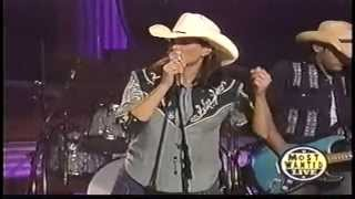 Watch Terri Clark Walkin After Midnight video