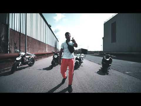 DENES - Fly (clip officiel)