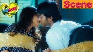 Sundeep Kishan And Regina Cassandra Finally Unite - Romantic Scene - Routine Love Story Movie Scenes