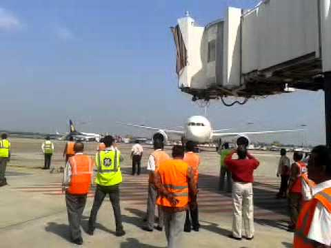 DREAM LINER (Boeing 787-8) at CHENNAI AIRPORT On 19-Sep-2012