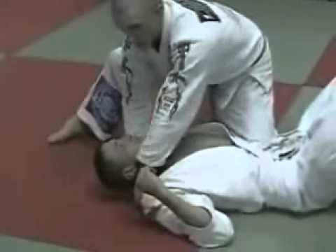 Knee On Belly Bat Choke Submission - Brazilian Jiu Jitsu Technique Image 1