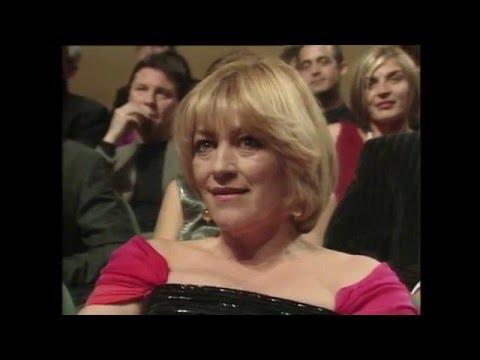 Premios Goya 2000: Almodóvar canta cumpleaños feliz a Felipe VI