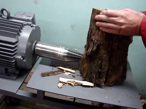 Kužeľová štiepačka dreva