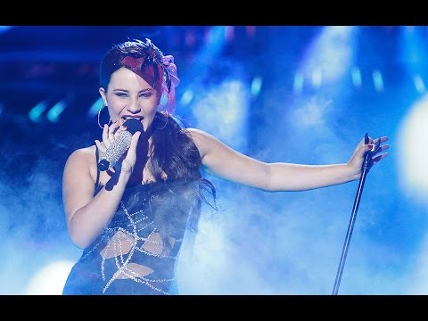 Lucía Gil Imita A Selena Gómez En Tu Cara Me Suena Mini video