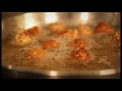 Farsangi fasírtgolyók vegyes zöldséggel tűzve