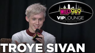 Download Lagu Troye Sivan talks My My My! Music Video, Valentines Day Tips, and Deepest Secrets! Gratis STAFABAND