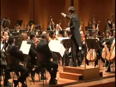 La Filarmónica de Bogotá toca musica colombiana tradicional