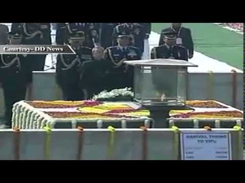 Leaders pay homage to Mahatma Gandhi on his death anniversary