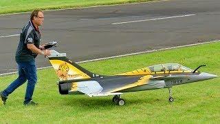 HUGE RC XXL RAFALE SCALE MODEL TURBINE JET FLIGHT DEMONSTRATION