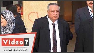 بالفيديو : وصول وزير التعليم لمجمع الملك فهد لحضور طابور الصباح
