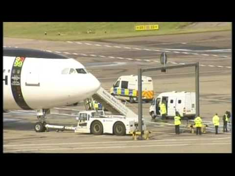 Lockerbie bomber al-Megrahi freed  to go home to Libya