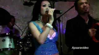 Molyna Lim & Sek Meas Band doing two fast classics songs for Cambodian New Year 2010