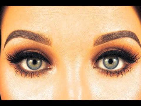 How To Fill In / Sculpt Eyebrows | Jaclyn Hill