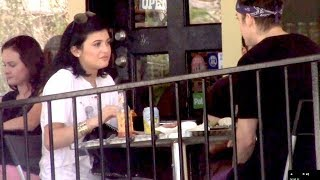Make Up Free Kylie Jenner Grabs Lunch With Mystery Man [2014]