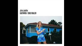 "Julia Jacklin - 新譜シングル「Eastwick/Cold Caller」7inchアナログ盤 2017年9月15日発売 ""Cold Caller""の試聴音源を公開 thm Music info Clip"