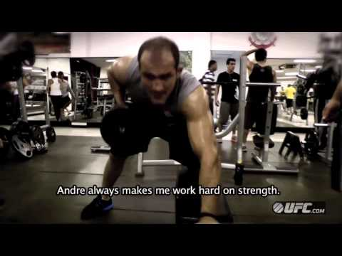 UFC 155  JUNIOR DOS SANTOS  STRENGTH  CONDITIONING TRAINING