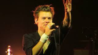 download lagu Woman Harry Styles Chicago gratis