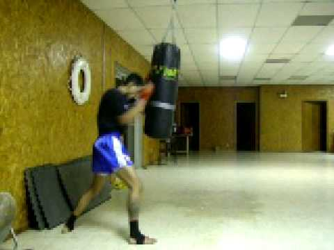 Heavy Bag Drills Counter Punching From Blocks Image 1