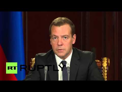 Russia: Medvedev announces sanctions against Ukraine after $3 billion bond default