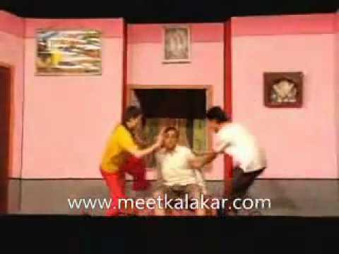 Prashant Oak in Marathi play De Dhakka Premacha